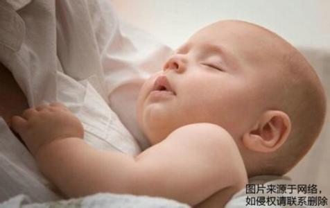 宝宝吐奶 新生儿吐奶